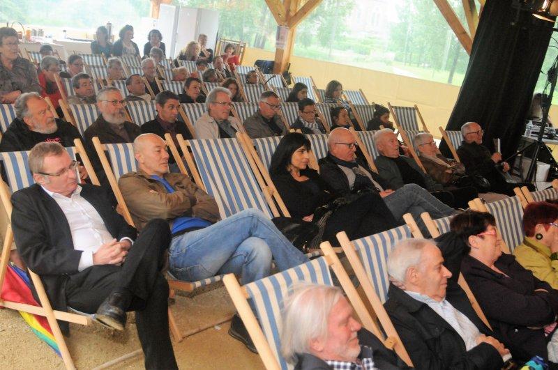 Festival De Chaises Mont 15 En Ans Du LonguesVille Contes I6bgYfv7y